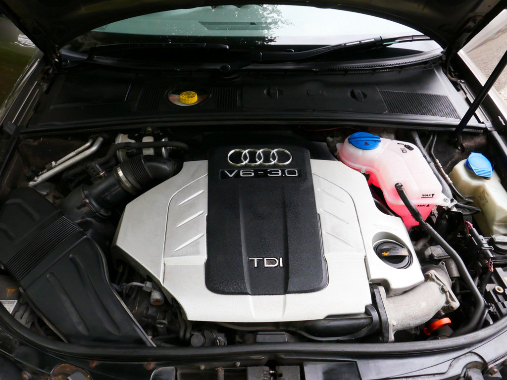 2006 Immaculate one owner A4 Sport Quattro TDI V6 auto For Sale (picture 6 of 6)