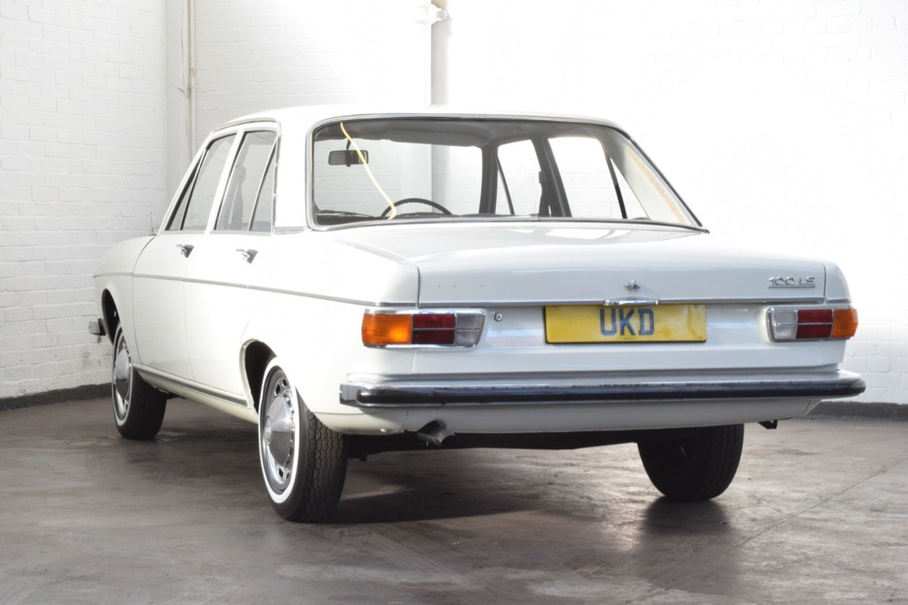 AUDI 100 LS 1.8 WHITE SALOON 1970 4DR SUMMER SALE! For Sale (picture 6 of 10)