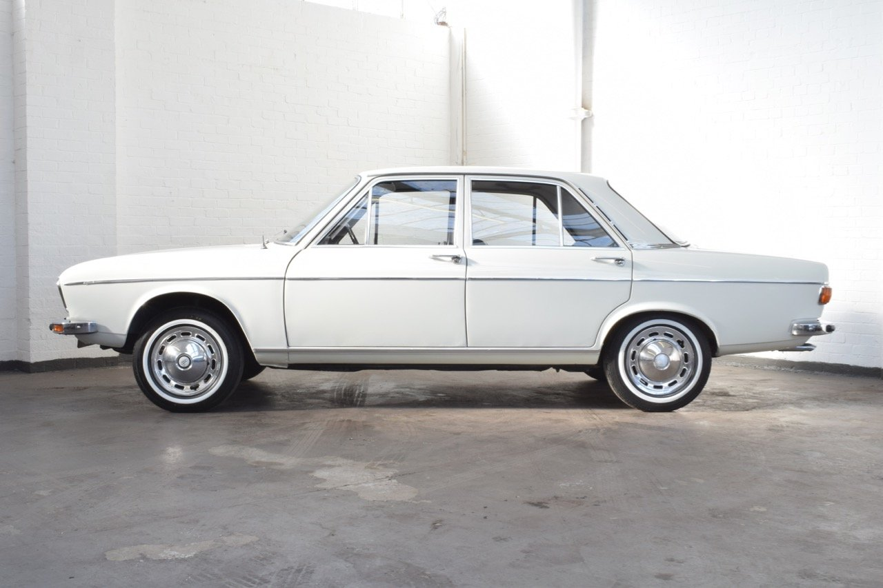 AUDI 100 LS WHITE SALOON 1970 For Sale (picture 4 of 10)
