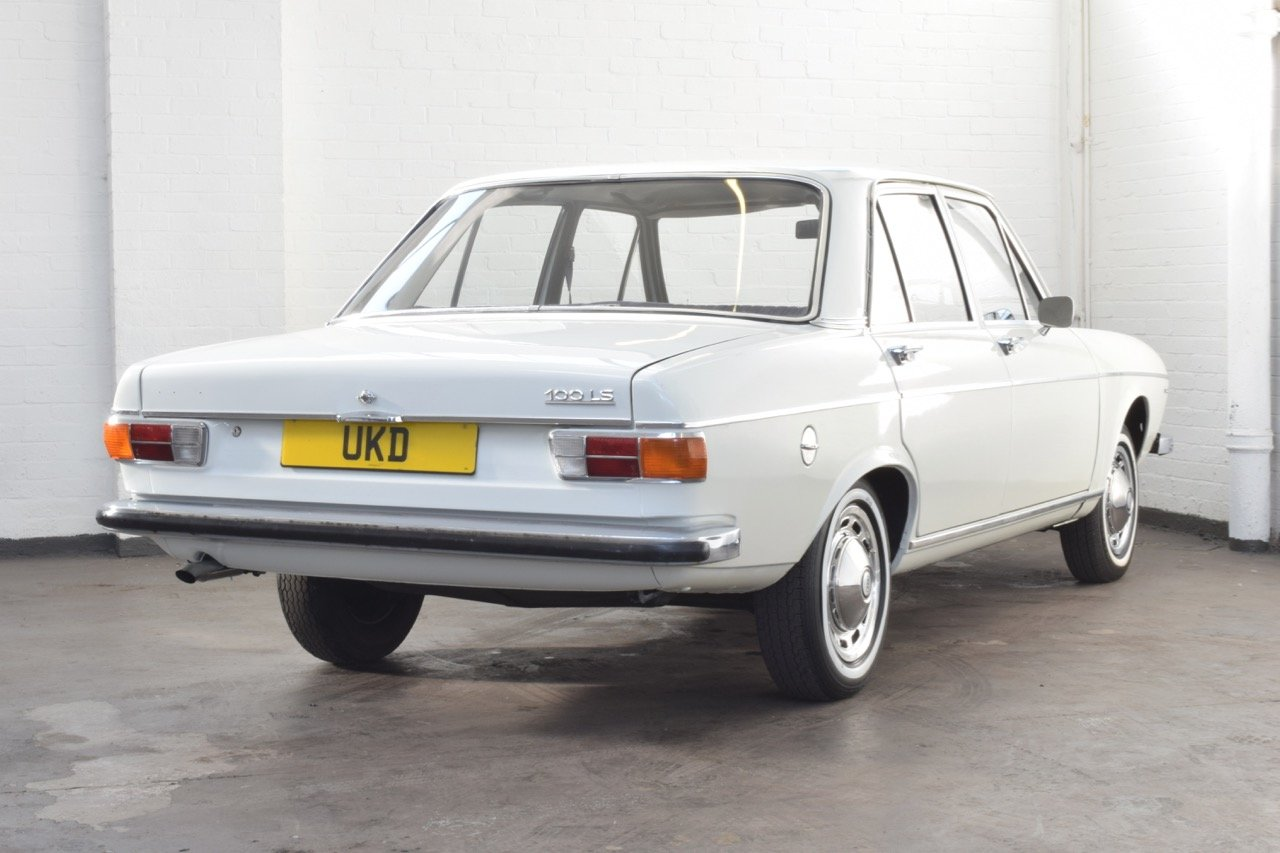 AUDI 100 LS WHITE SALOON 1970 For Sale (picture 6 of 10)