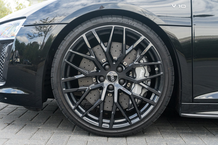 2017 Audi R8 Quattro V10 Plus Spyder S SOLD (picture 3 of 6)