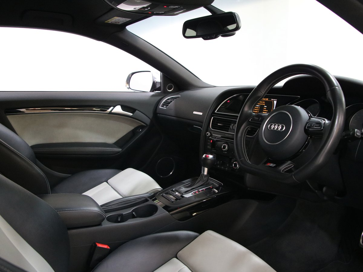 Audi A5 S5 Quattro Black Edition 2dr S Tronic 2015(65) For Sale (picture 4 of 6)
