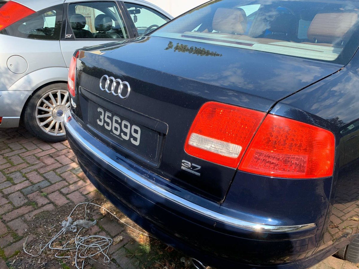 2004 Audi A8 3.7 AWD Fully loaded  For Sale (picture 2 of 6)