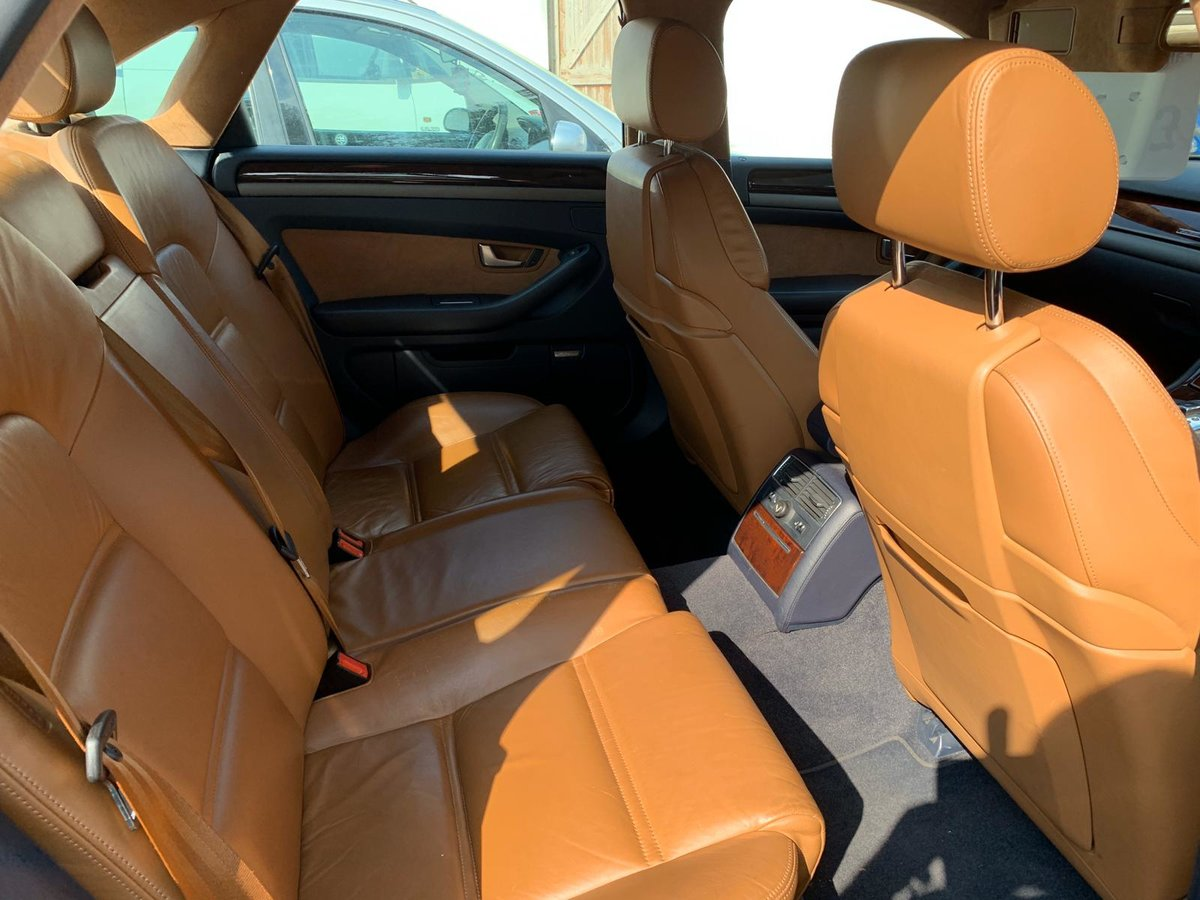 2004 Audi A8 3.7 AWD Fully loaded  For Sale (picture 3 of 6)