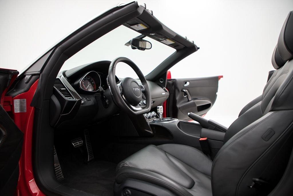 2011 Audi R8 2dr Convertible Auto quattro Spyder 5.2L $94.5k For Sale (picture 3 of 6)