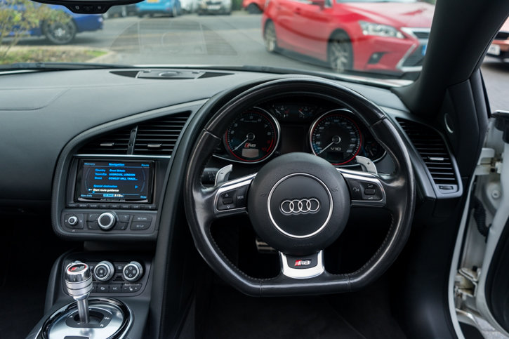 2015 Audi R8 5.2 FSI V10 Plus S Tronic SOLD (picture 4 of 6)