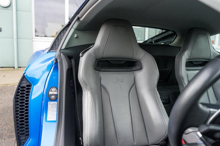 Audi R8 V10 Plus Quattro 2016 SOLD (picture 3 of 6)