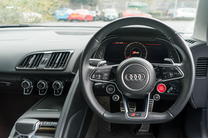 Audi R8 V10 Plus Quattro 2016 SOLD (picture 4 of 6)