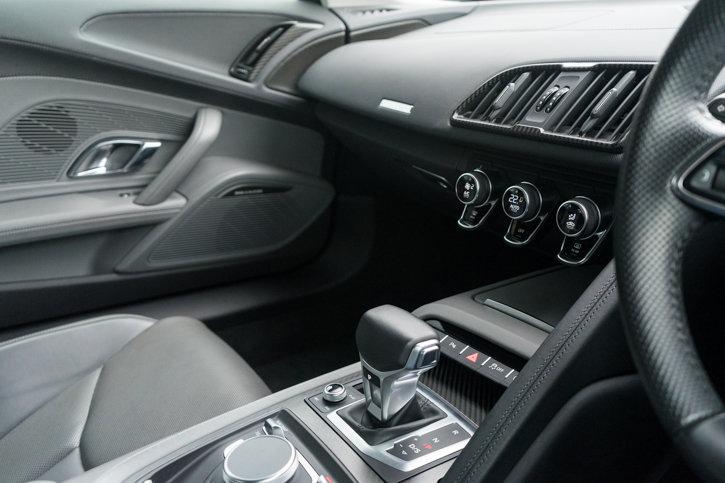 Audi R8 V10 Plus Quattro 2016 SOLD (picture 5 of 6)