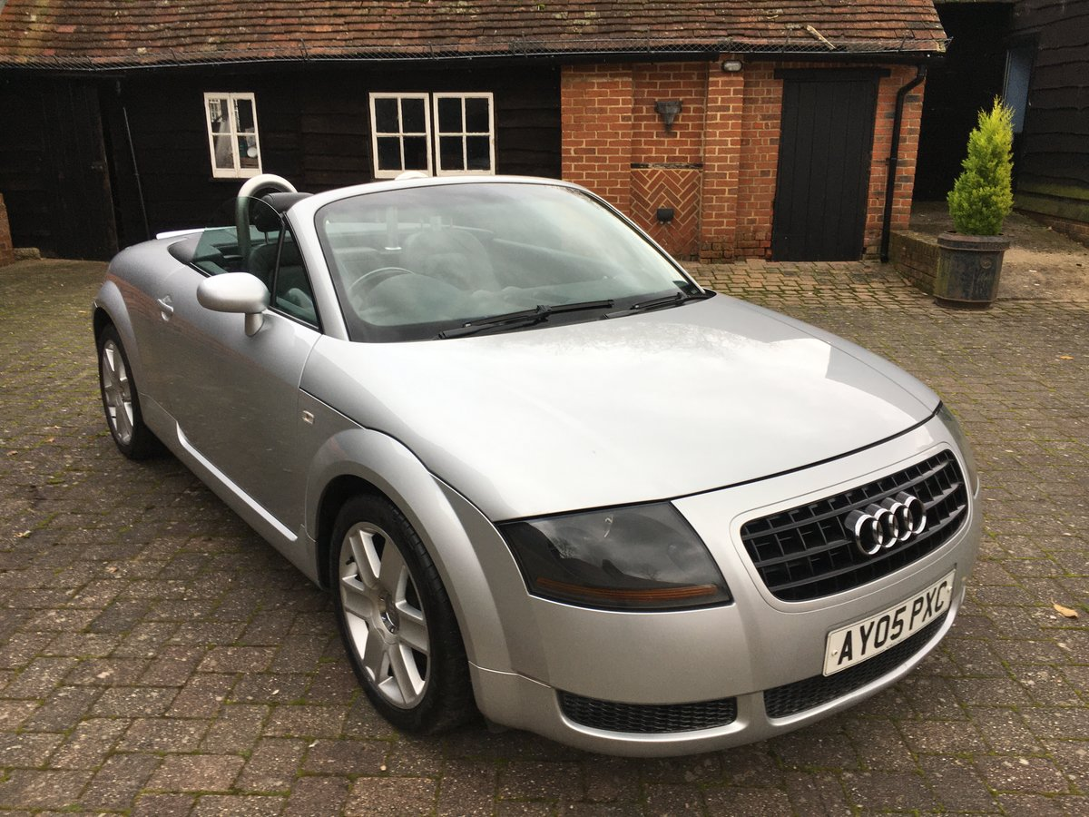 2005 stunning car  modern classic and a geniune car new mot  For Sale (picture 1 of 6)