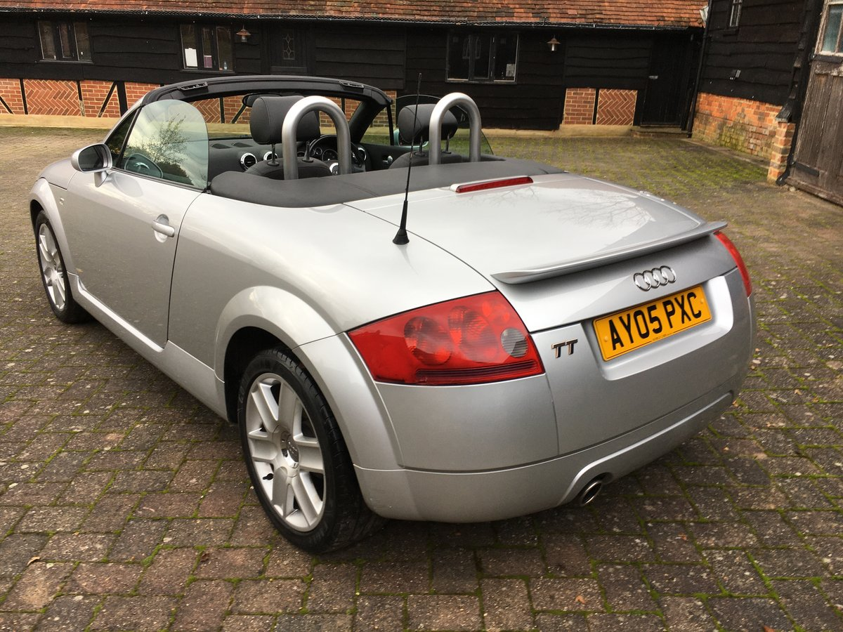 2005 stunning car  modern classic and a geniune car new mot  For Sale (picture 2 of 6)