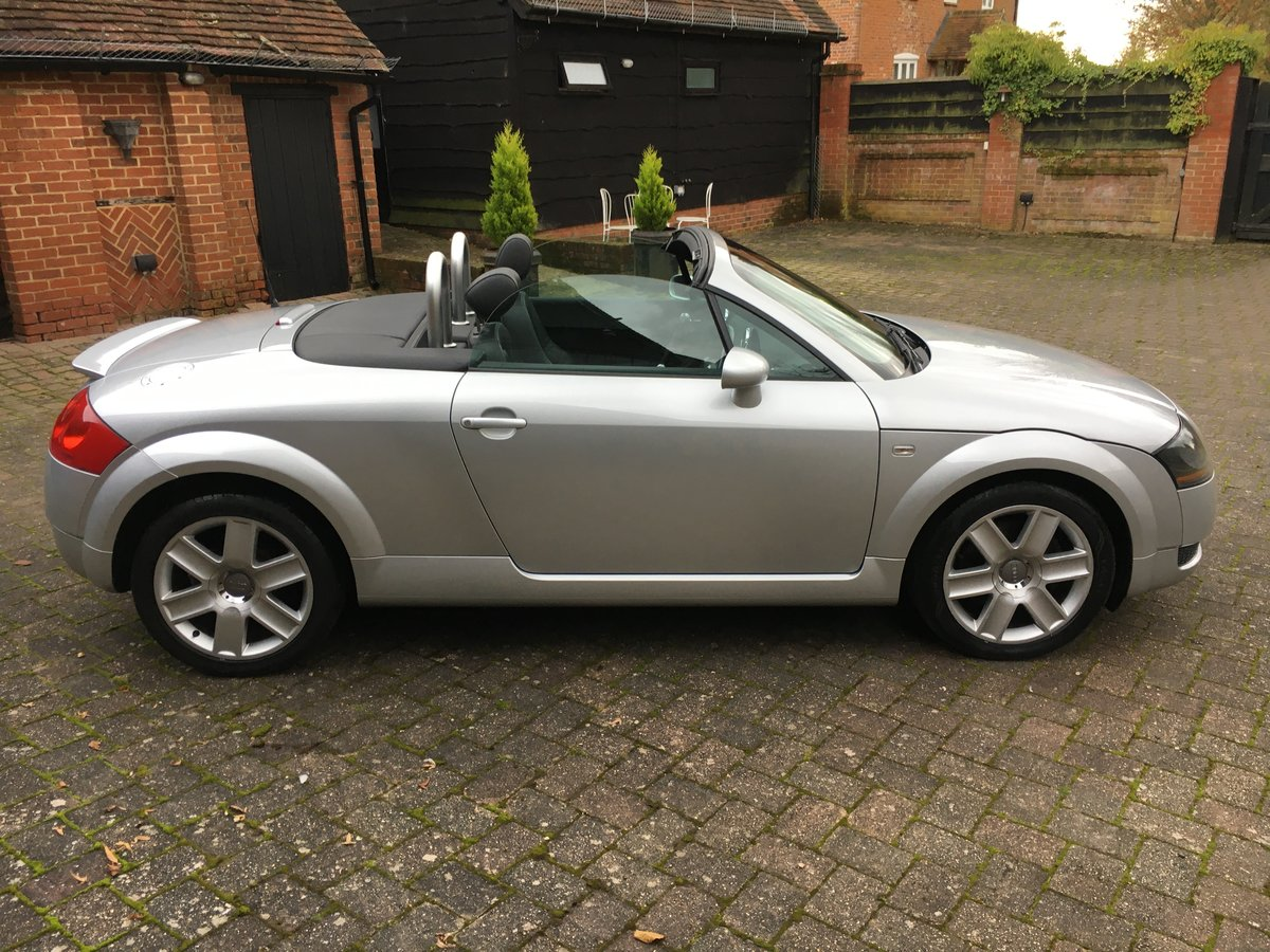 2005 stunning car  modern classic and a geniune car new mot  For Sale (picture 3 of 6)