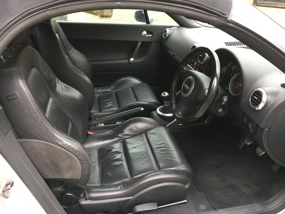 2005 stunning car  modern classic and a geniune car new mot  For Sale (picture 5 of 6)