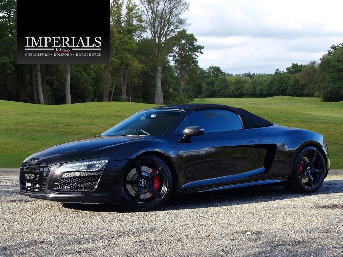 2015 Audi  R8  SPYDER 5.2 V10 QUATTRO CABRIOLET S-TRONIC AUTO  66 For Sale (picture 2 of 24)