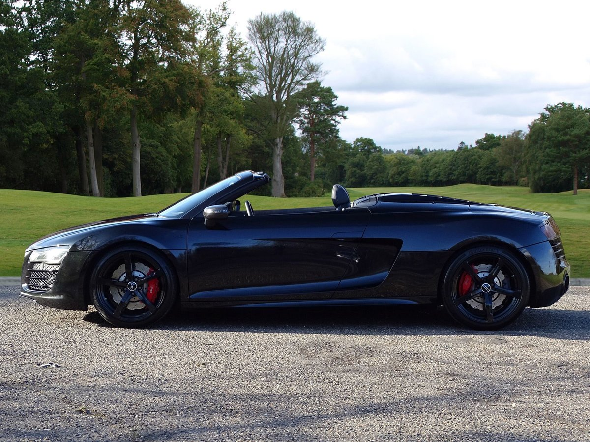 2015 Audi  R8  SPYDER 5.2 V10 QUATTRO CABRIOLET S-TRONIC AUTO  66 For Sale (picture 3 of 24)