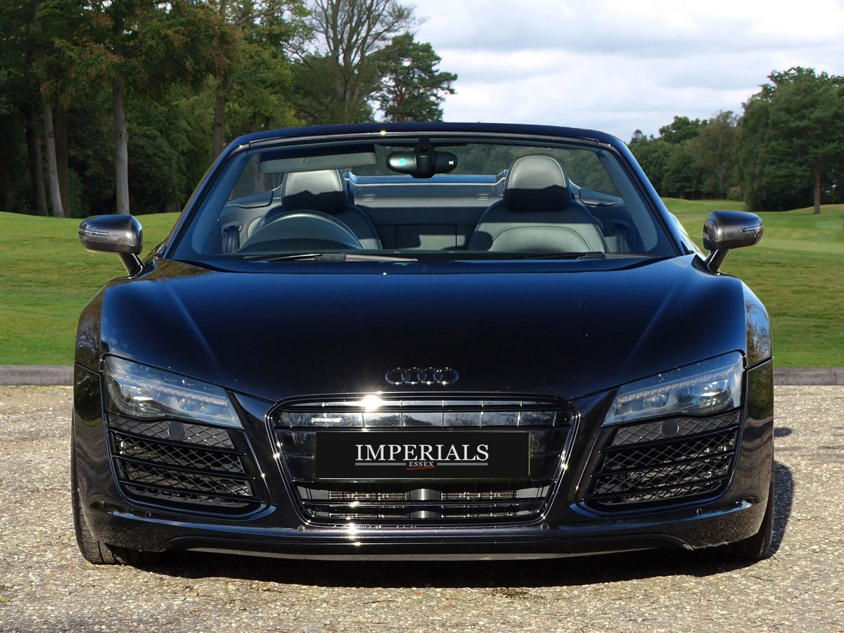 2015 Audi  R8  SPYDER 5.2 V10 QUATTRO CABRIOLET S-TRONIC AUTO  66 For Sale (picture 12 of 24)