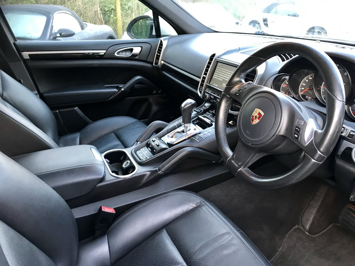 2013 Porsche Cayenne 3.0 TDI V6 Diesel Automatic Facelift . For Sale (picture 16 of 19)