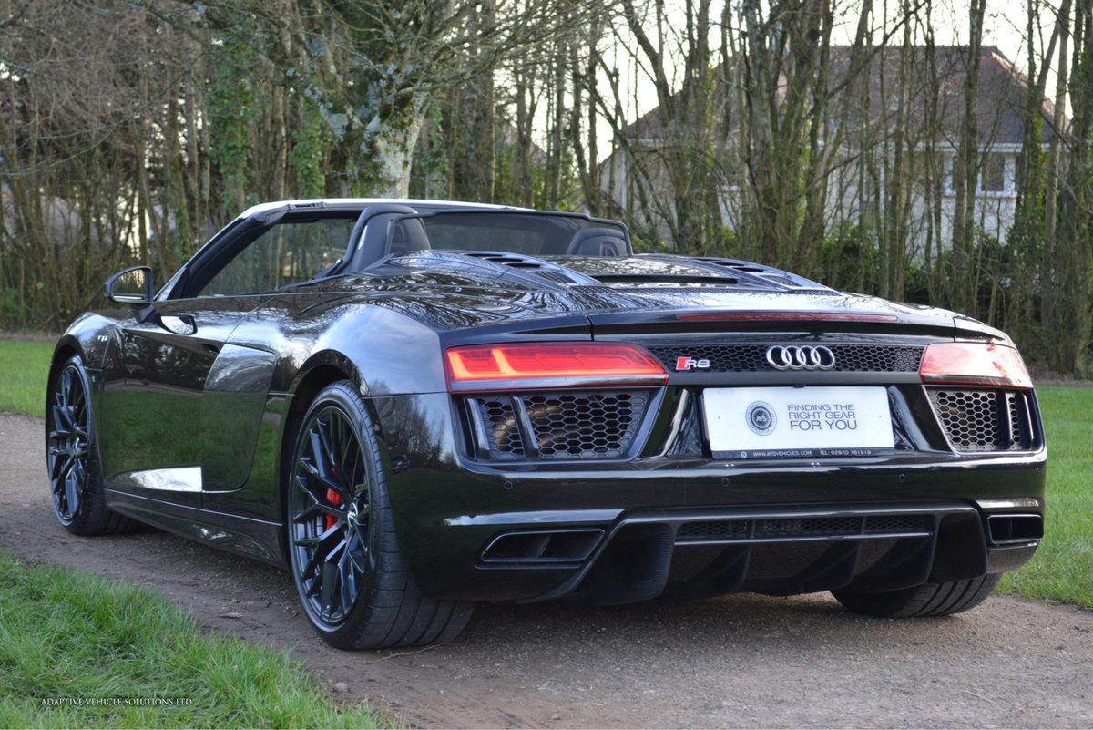 2017 Audi R8 V10 Spyder - Milltek Exhaust + Bang & Olufsen For Sale (picture 2 of 6)