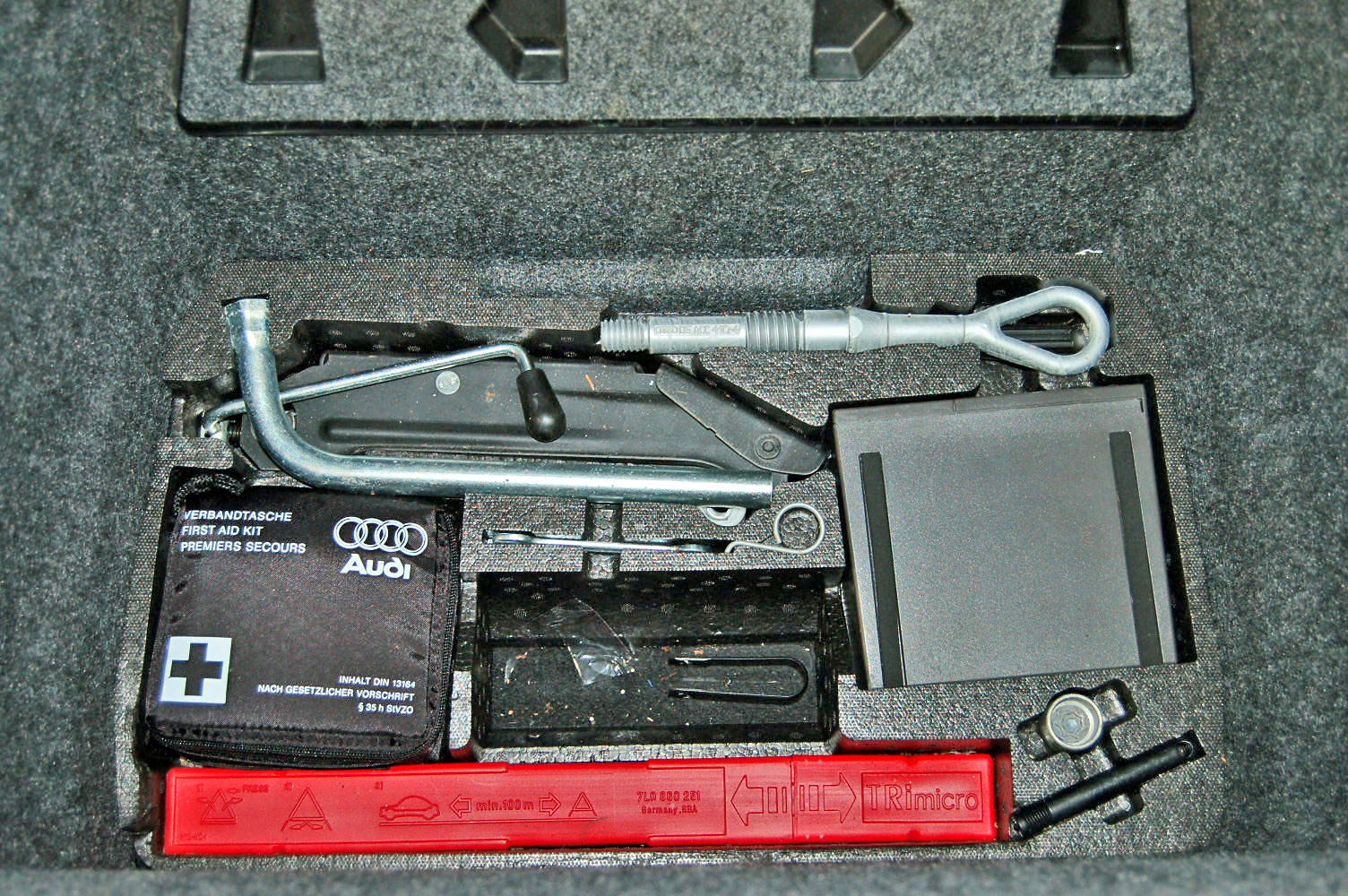2008 Audi R8 Manual For Sale (picture 5 of 6)
