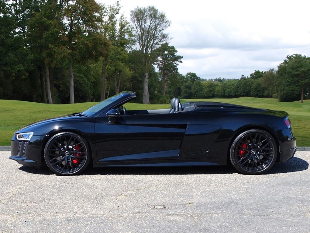 2017 Audi  R8  SPYDER V10 SPORT PLUS PACK QUATTRO  85,948 For Sale (picture 2 of 24)