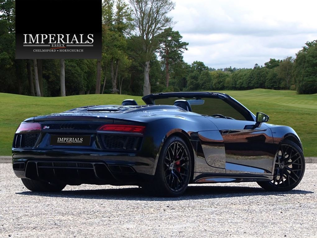2017 Audi  R8  SPYDER V10 SPORT PLUS PACK QUATTRO  85,948 For Sale (picture 4 of 24)