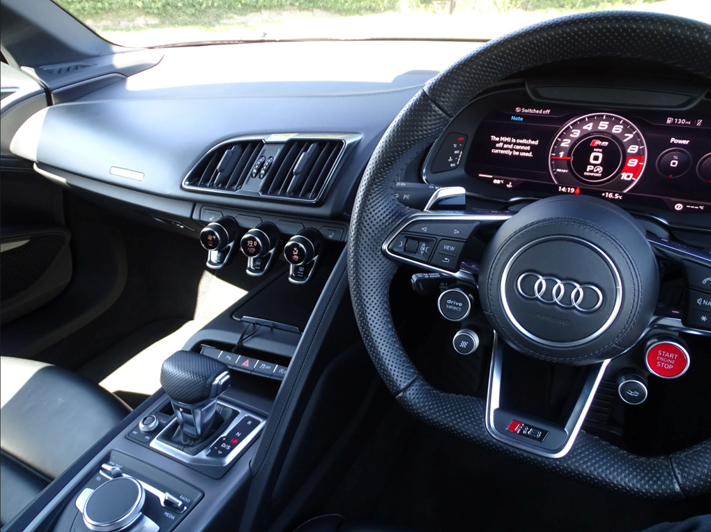 2017 Audi  R8  SPYDER V10 SPORT PLUS PACK QUATTRO  85,948 For Sale (picture 6 of 24)