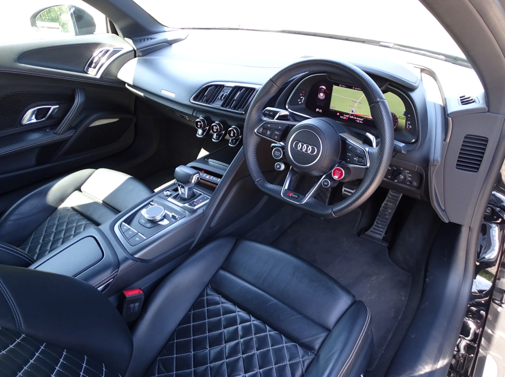 2017 Audi  R8  SPYDER V10 SPORT PLUS PACK QUATTRO  85,948 For Sale (picture 14 of 24)