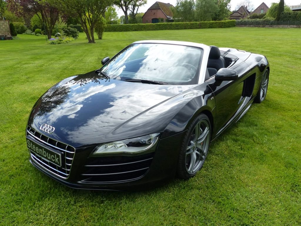 2010 Audi R8 Spyder V10 Quattro - powerful bolide For Sale (picture 1 of 6)