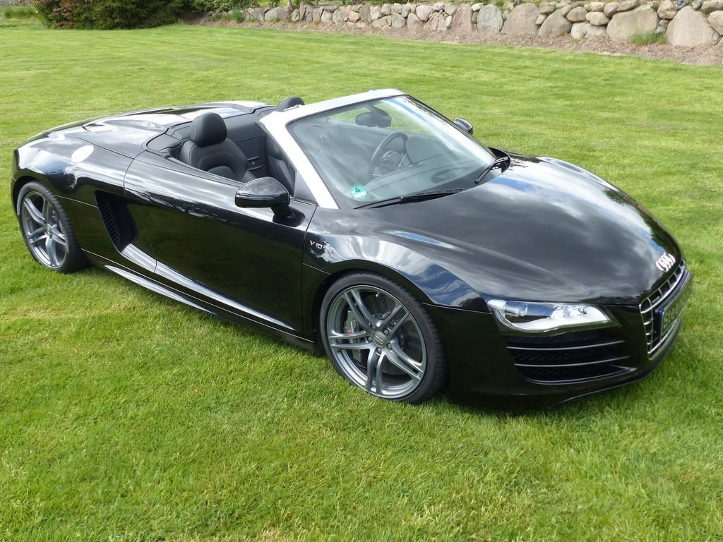 2010 Audi R8 Spyder V10 Quattro - powerful bolide For Sale (picture 2 of 6)