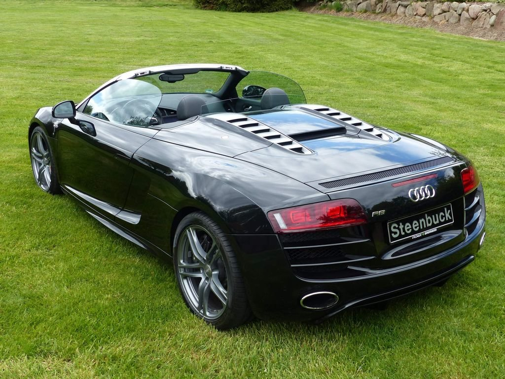 2010 Audi R8 Spyder V10 Quattro - powerful bolide For Sale (picture 4 of 6)