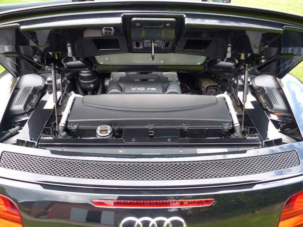 2010 Audi R8 Spyder V10 Quattro - powerful bolide For Sale (picture 6 of 6)