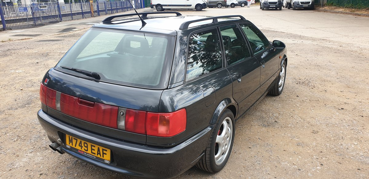 1995 Audi 80 rs2 avant 2.2 turbo in volcano black For Sale (picture 4 of 6)