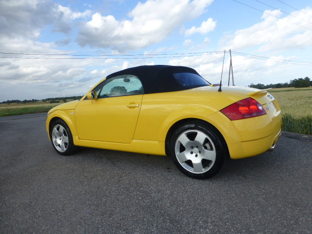 2001 Audi TT 225 Convertible Exclusive Edition For Sale (picture 3 of 6)