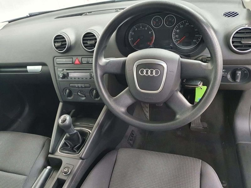 2006 Audi A3 5DR 1.6 Special Edition Sportback*GEN 59,000 MILES* For Sale (picture 5 of 6)