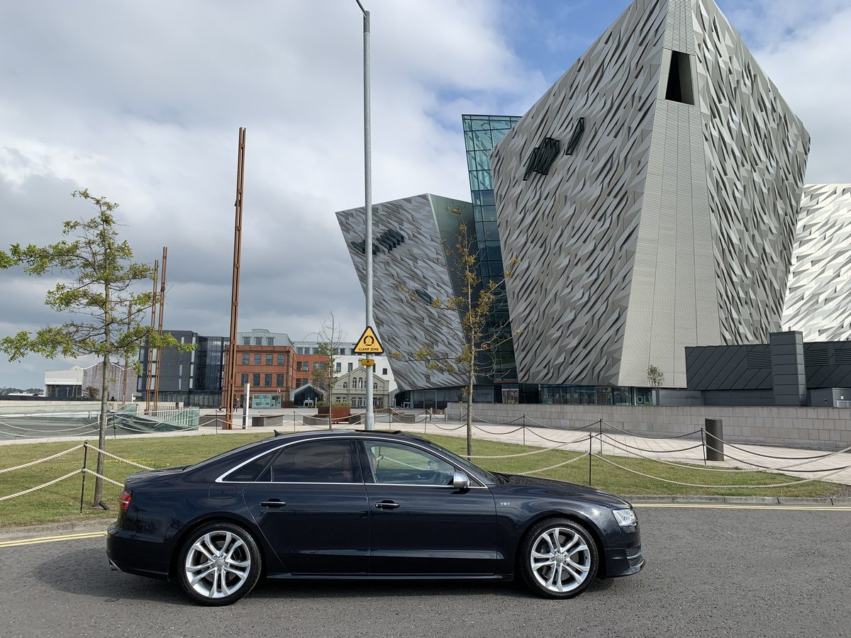 2017 523bhp Audi S8 - One Owner For Sale (picture 2 of 6)