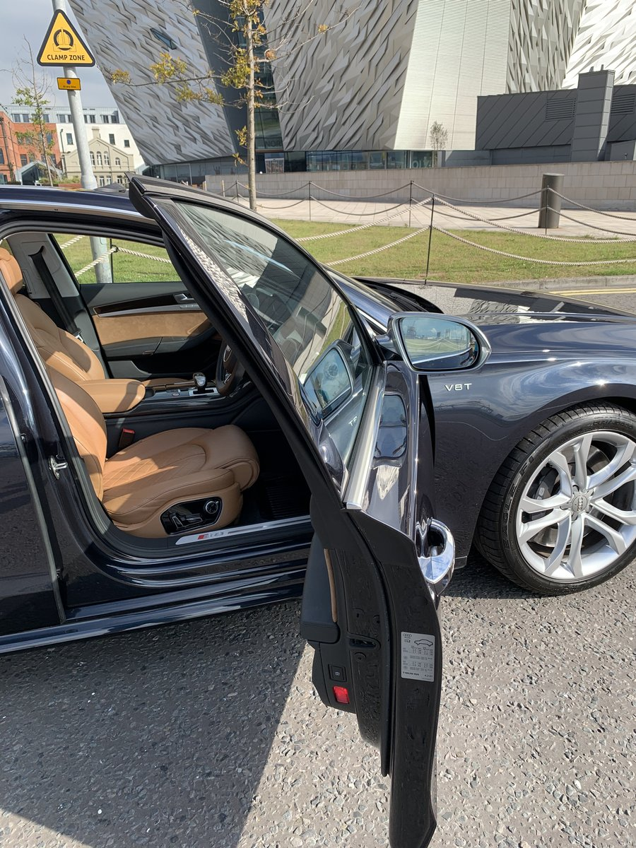 2017 523bhp Audi S8 - One Owner For Sale (picture 3 of 6)