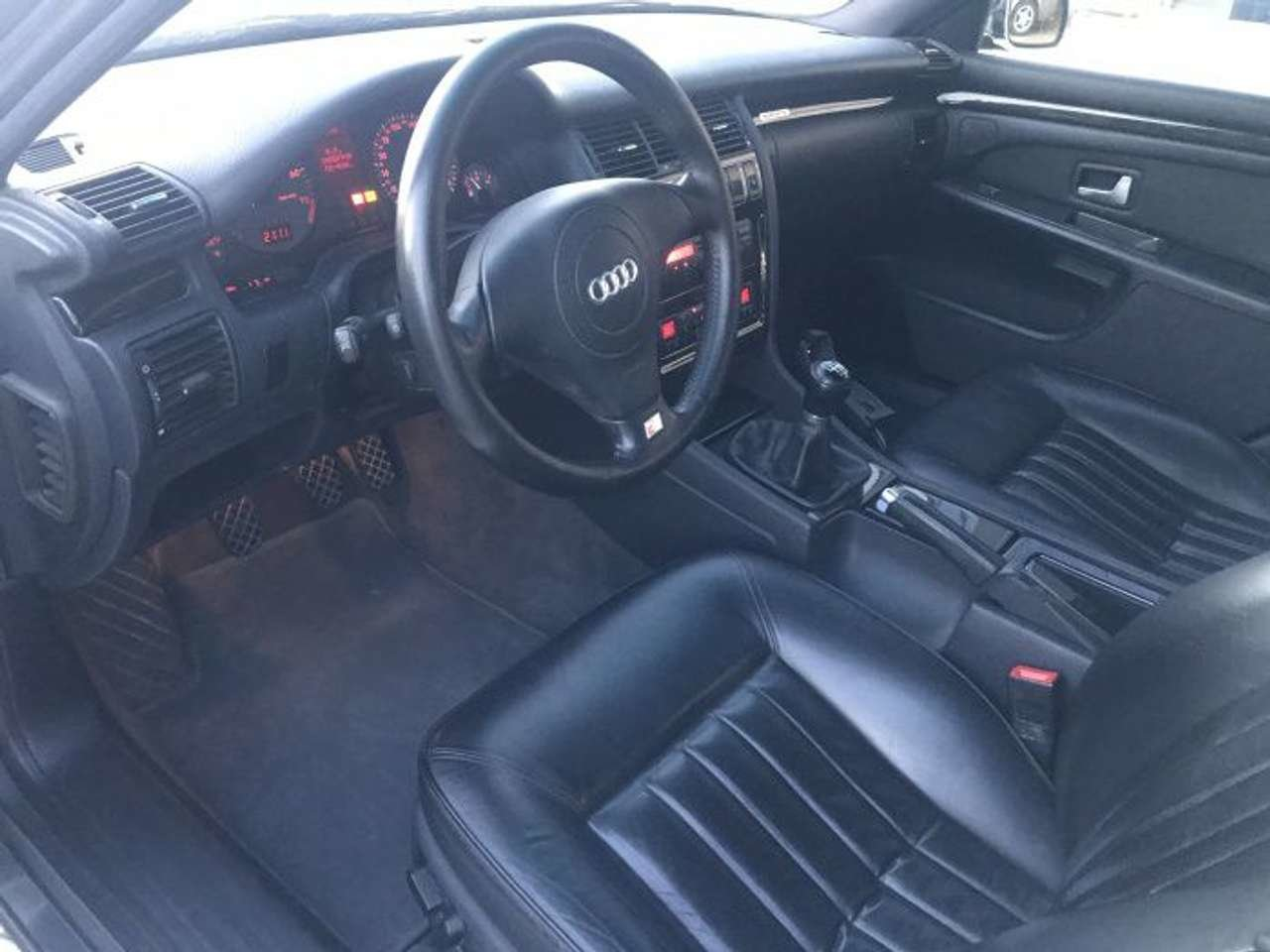 1998 Audi S8 Quattro 6 speed 4.2L-1 owner-superb LHD For Sale (picture 3 of 6)