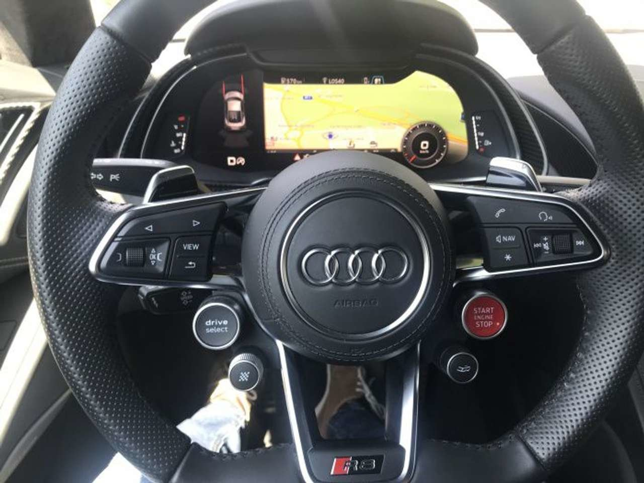 2016 LHD - Audi R8 5.2 V10 Plus - 610PS - only 29.000km For Sale (picture 3 of 6)