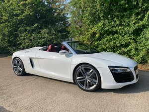 Picture of 2014 AUDI R8 4.2 SPYDER V8 QUATTRO 2d 424 BHP - only 8k mileage
