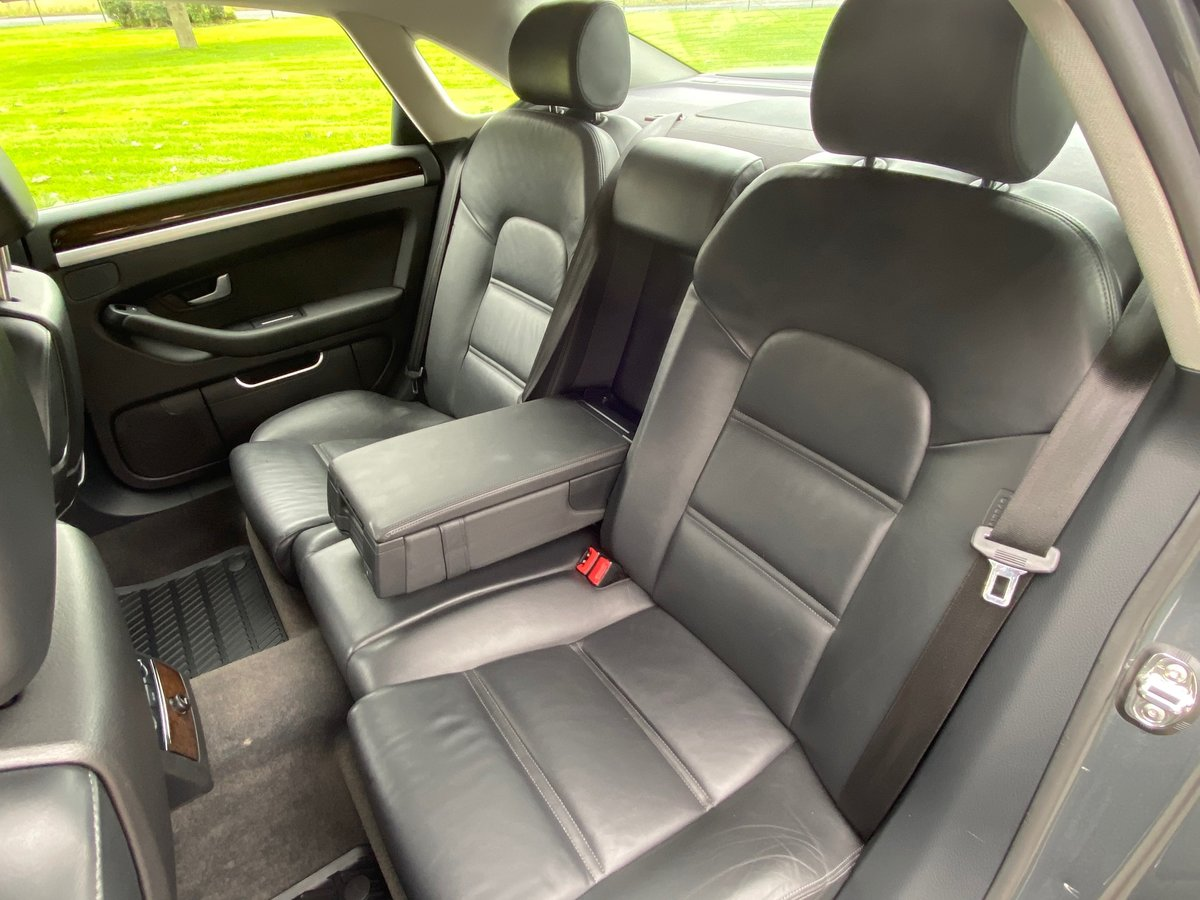 2010 Audi A8 3.0TDI Sport in great condition & FSH For Sale (picture 6 of 6)