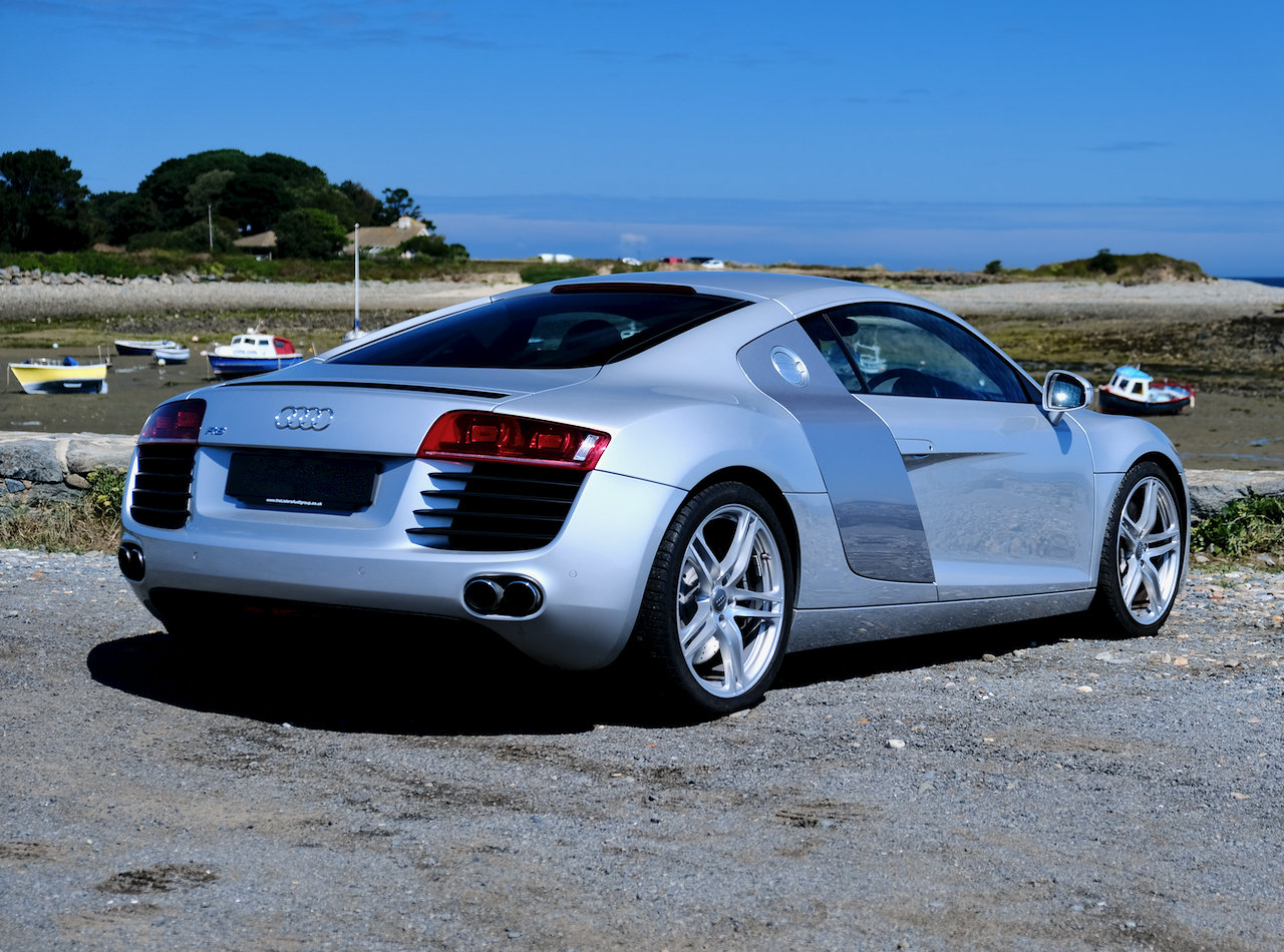 2008 Audi R8 4.2 V8 Quattro (only 4,000 miles!) For Sale (picture 2 of 6)