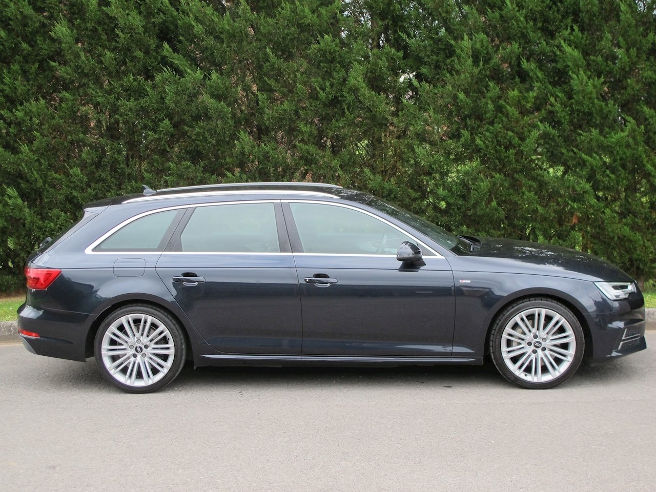 2017 Audi A4 Avant 3.0TDI 272PS quattro S Line S-Tronic For Sale (picture 3 of 6)