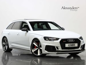 18 68 AUDI RS4 CARBON EDITION 2.9 TFSI QUATTRO TIPTRONIC