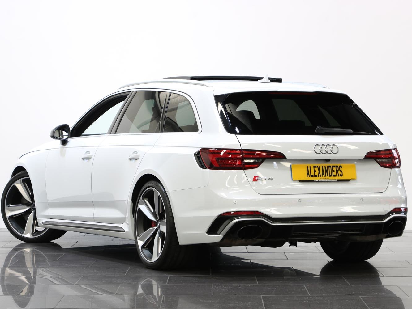 2018 18 68 AUDI RS4 CARBON EDITION 2.9 TFSI QUATTRO TIPTRONIC For Sale (picture 3 of 6)