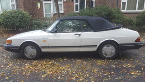 Picture of 82-8 Classic Saab 900i 2.0 16v Convertible spares/repai