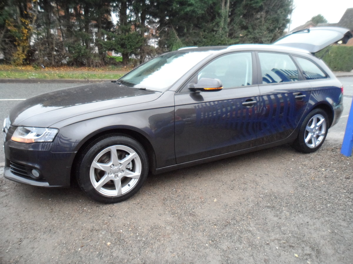 2010 A super driver A4 ESATE 1.9cc DIESEl 6 SPEED MAN F.S.H For Sale (picture 1 of 6)