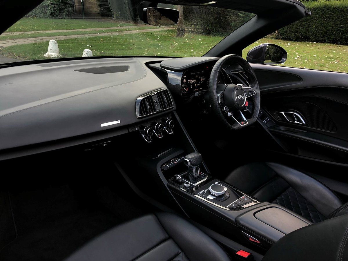 2018 Audi R8 SOLD (picture 13 of 20)