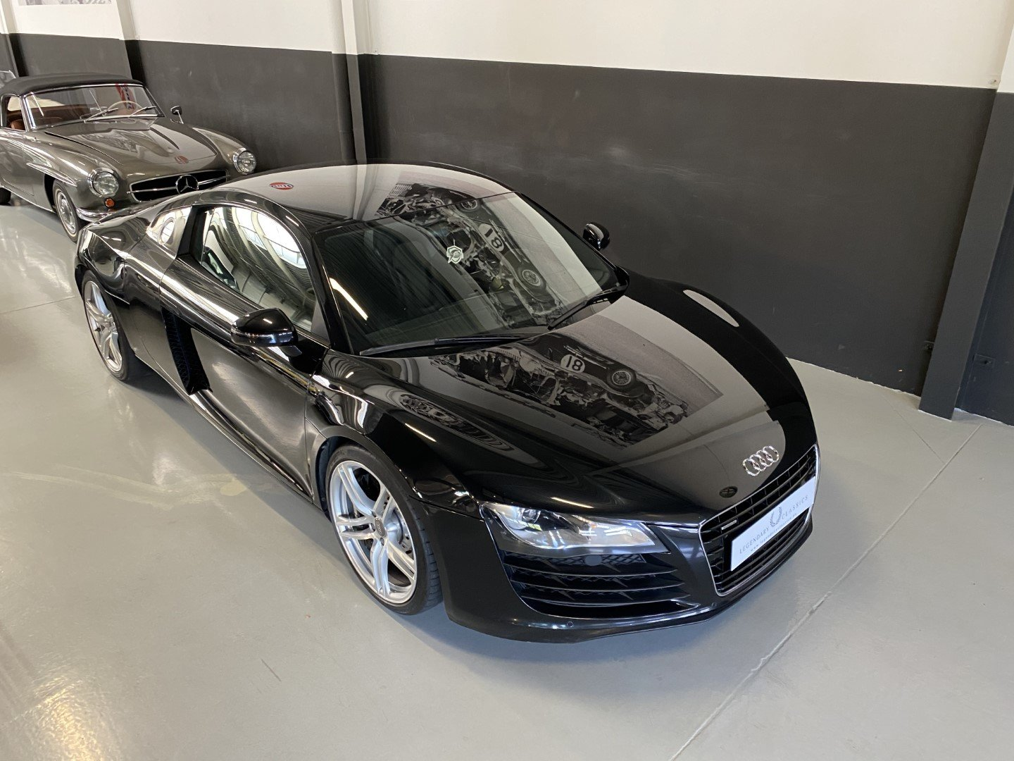 AUDI R8 4.2i V8 Quattro FSI Low mileage (2008) For Sale (picture 2 of 12)