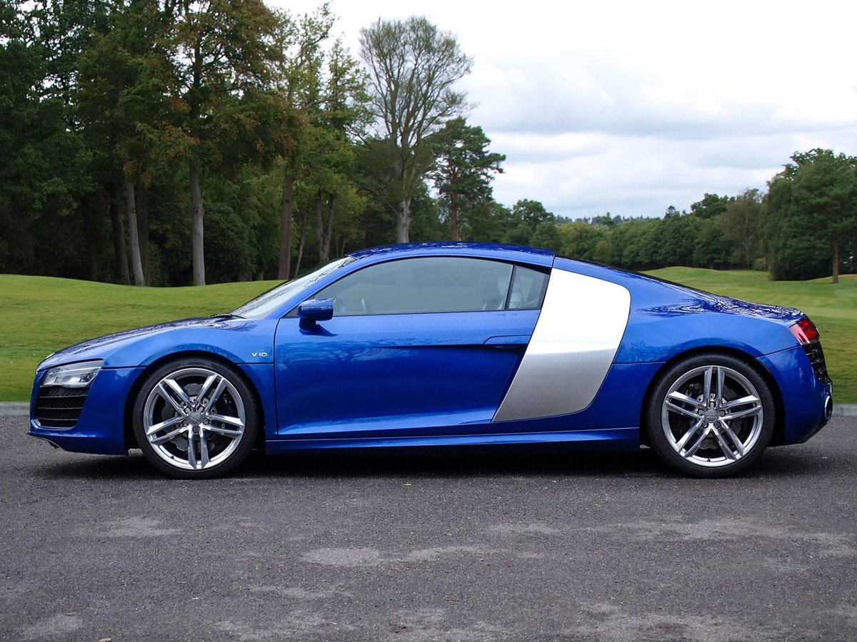 2015 Audi R8 SOLD (picture 2 of 20)