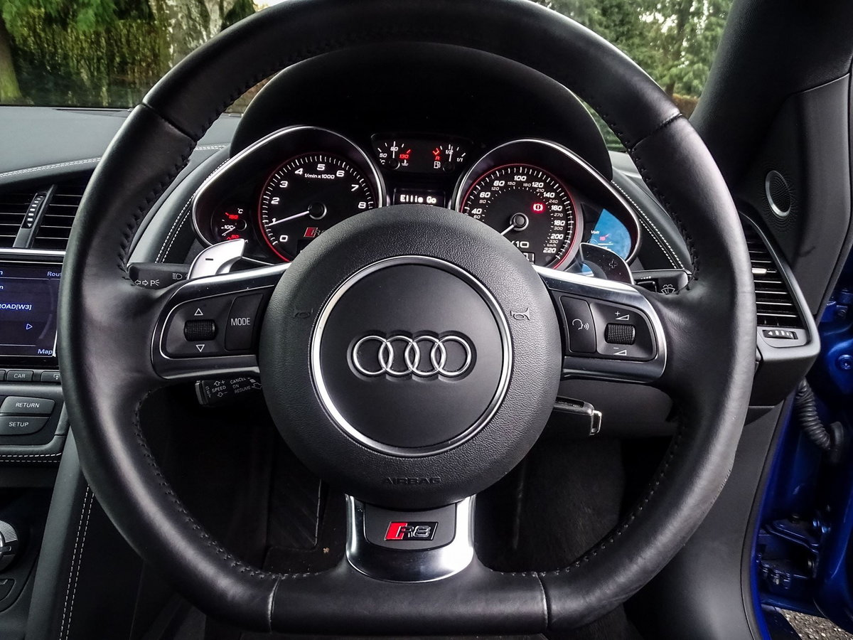 2015 Audi R8 SOLD (picture 7 of 20)